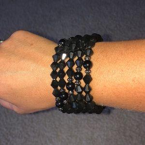Jewelry - Black beaded bracelet stretch